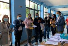 Photo of 20 ESTUDIANTES DEL COLEGIO ALESSANDRI RECIBIERON SETS DEPORTIVOS